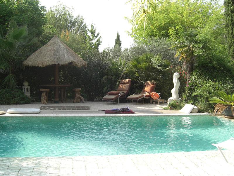 loeur-mas-provence-piscine-2