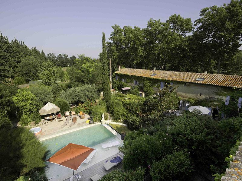 loeur-mas-provence-piscine-sky